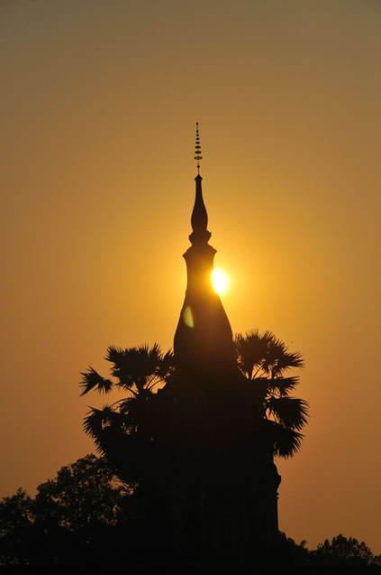 Sun sets over the Savannakhet stupa