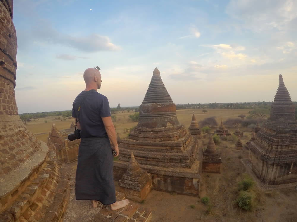 traveling the temples of Bagan