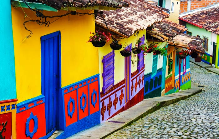 Top 6 ESL teaching destinations for new teachers Colombia